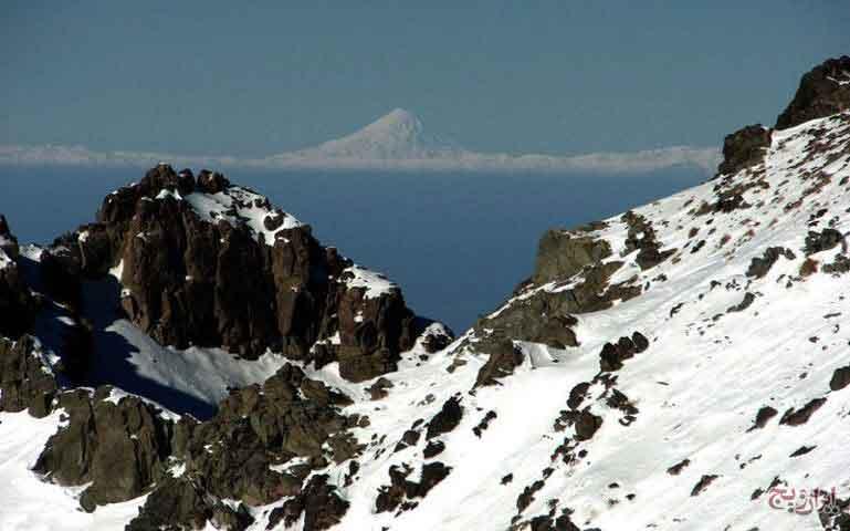 کوه کرکس در روستای طامه